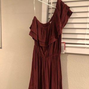 Me shoulder maroon dress